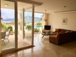 Lounge & patio doors